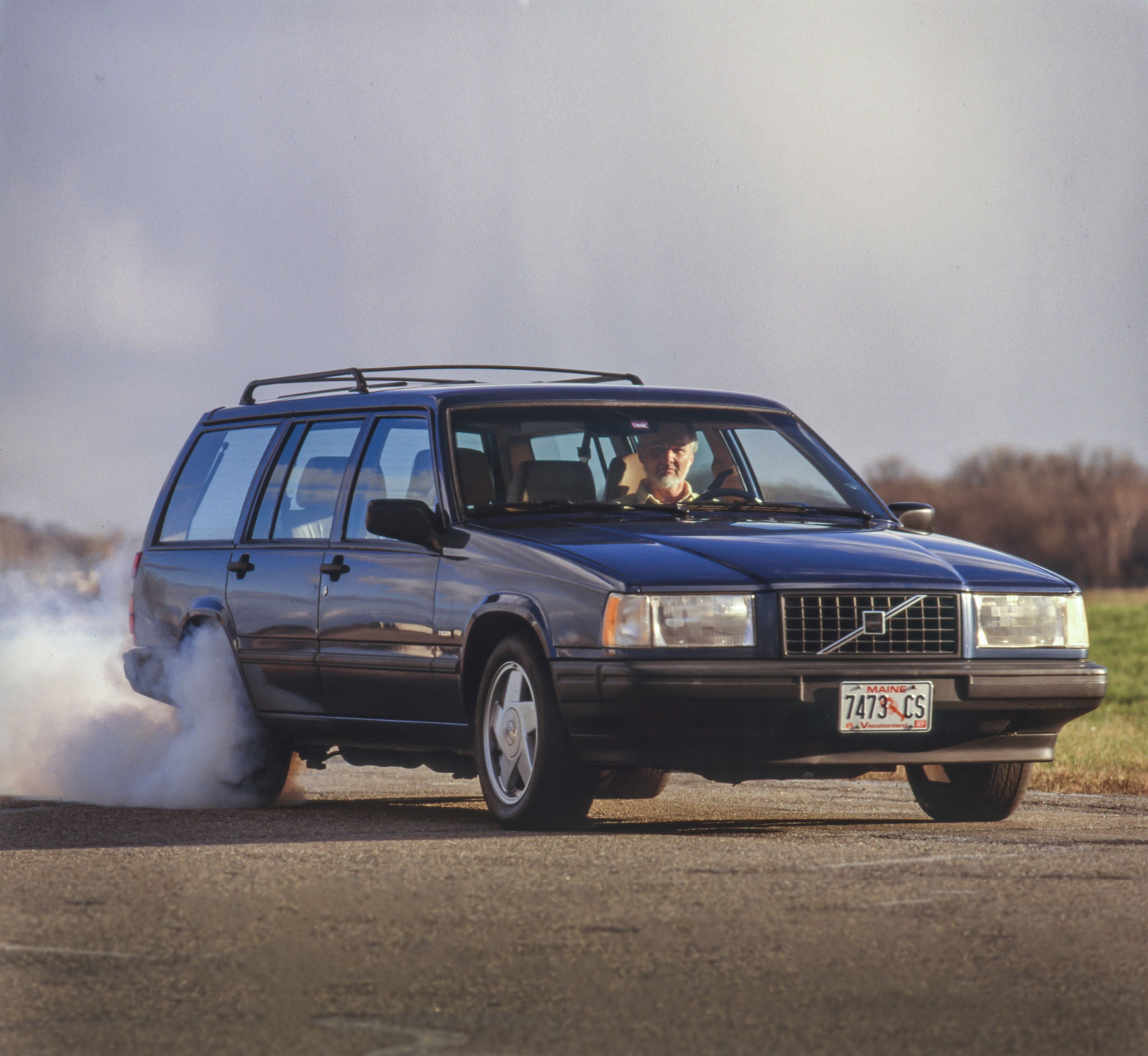 Tested Old Volvo Wagons Are A V 8 Swap From Serious Speed