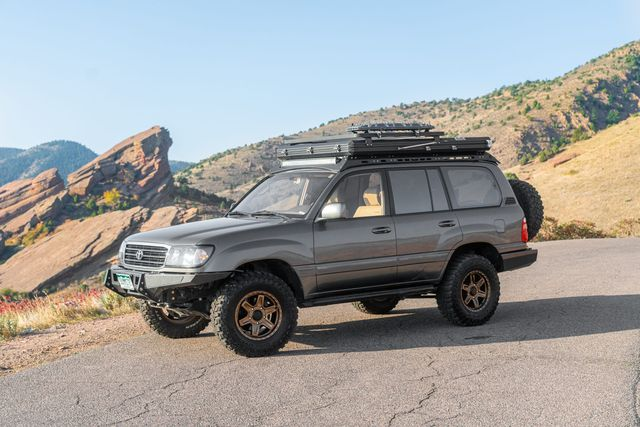 1998 toyota land cruiser with rooftop tent