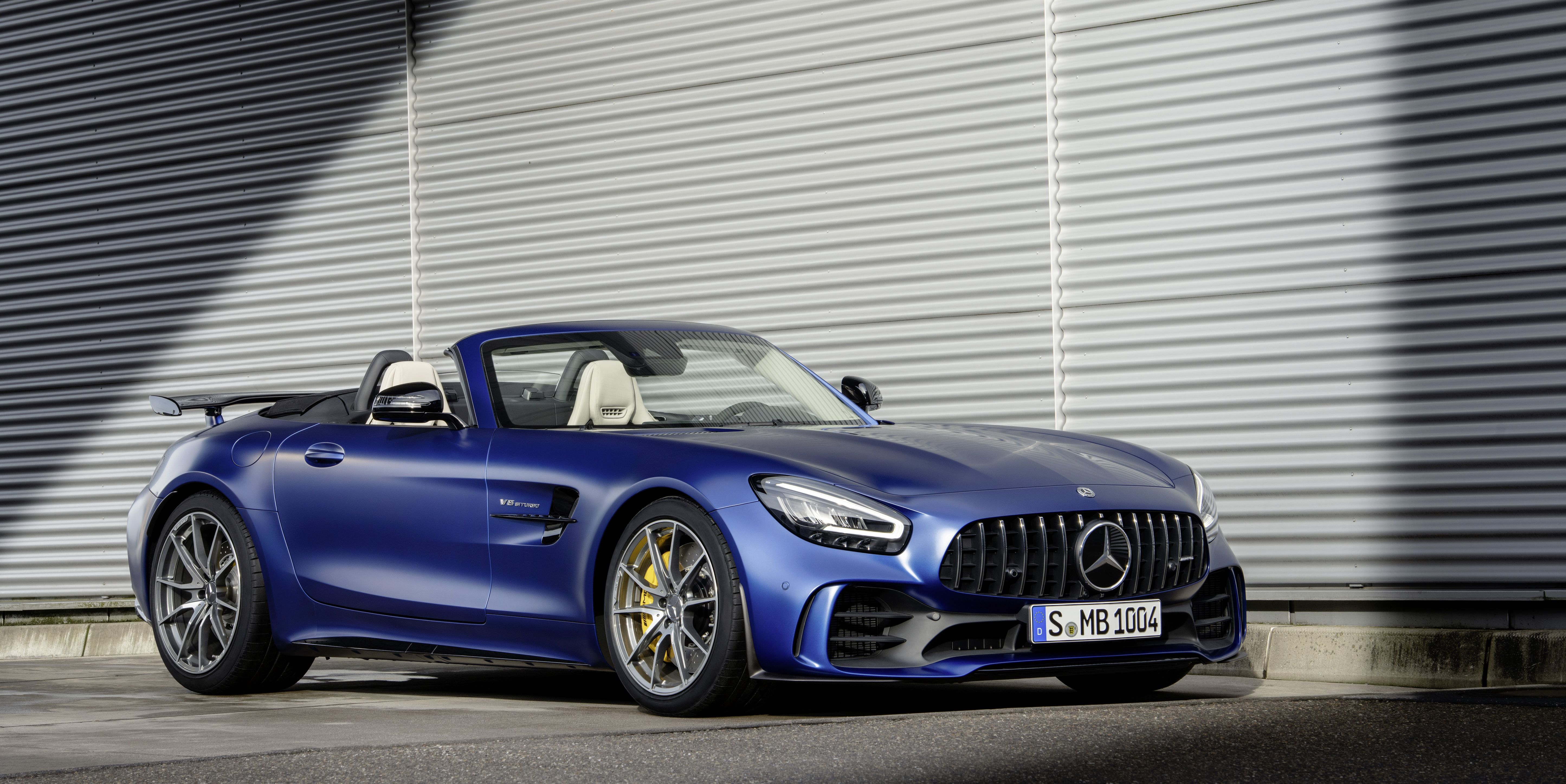 The 2020 Mercedes-AMG GT R Roadster Is One Hair-Raising Car