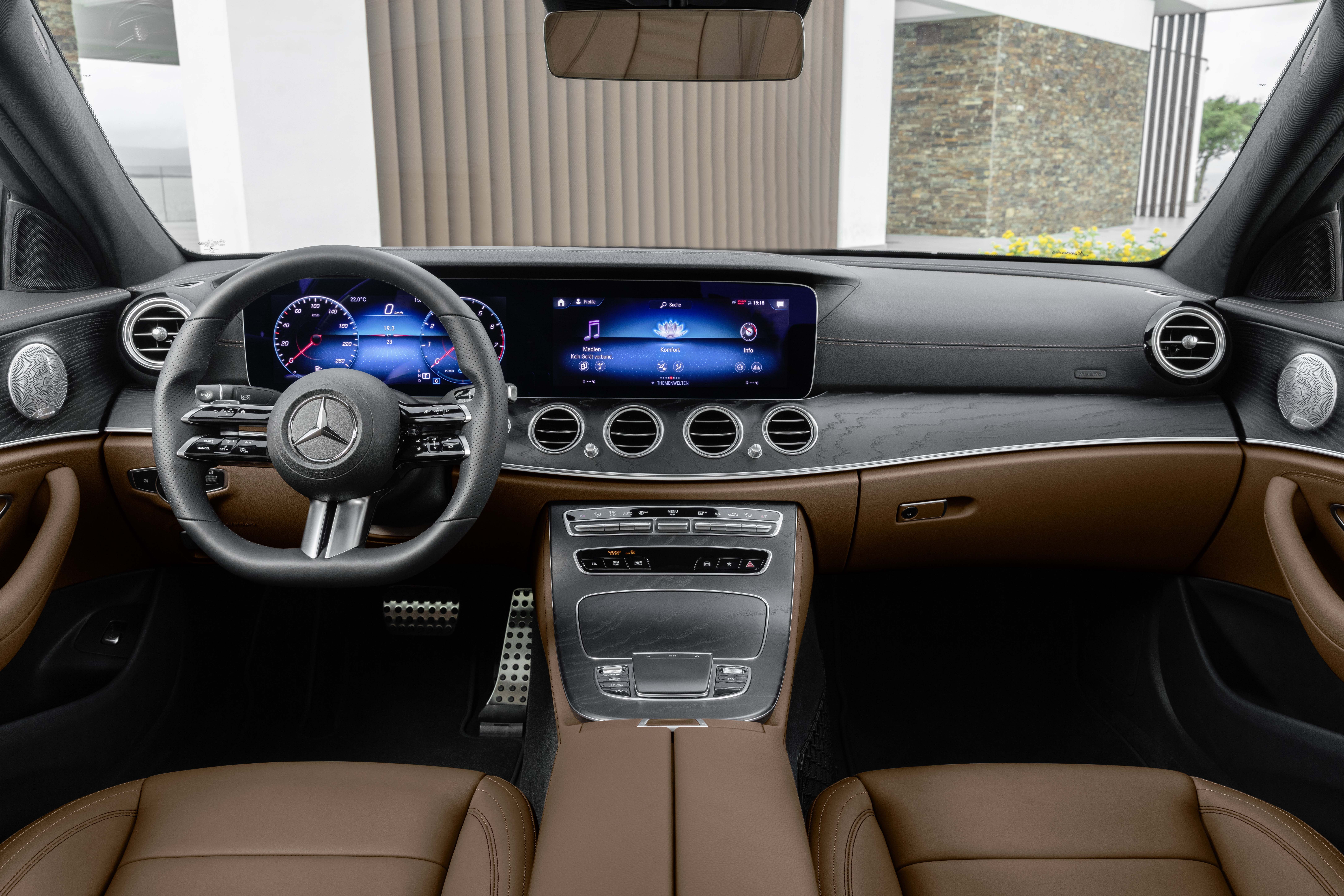 2021 Mercedes Benz E Class Gets Touch Sensitive Steering Wheel