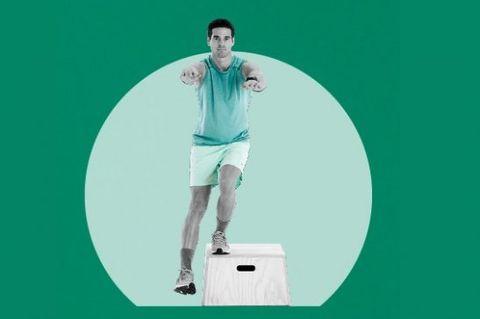 Leg, Green, Sleeve, Human leg, Standing, Elbow, Knee, Shorts, Calf, Active shorts,