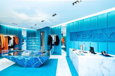 Room, Turquoise, Interior design, Building, Ceiling, Architecture, Leisure, Bathroom, House, Swimming pool,