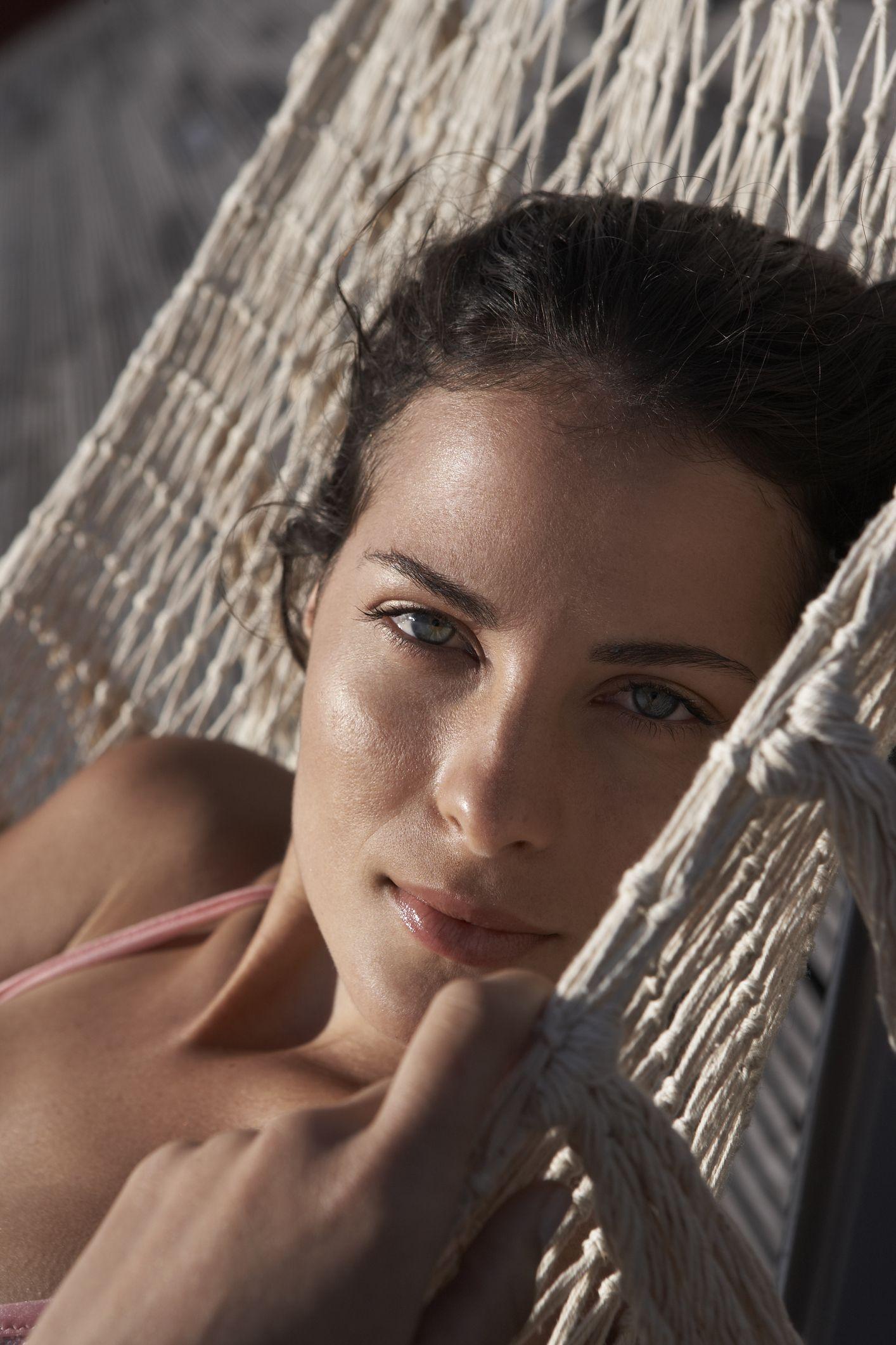 Esta crema solar facial de SPF 50 promete alargar el doble tu bronceado y cuesta menos de 5€