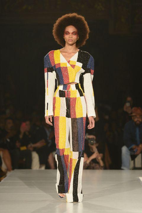 Fashion model, Fashion show, Runway, Fashion, Clothing, Fashion design, Event, Public event, Dress, Model,