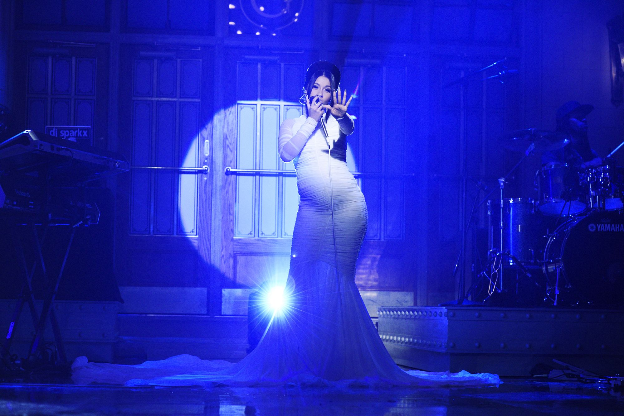 17 Stars Who Made Performing Pregnant Look Easy