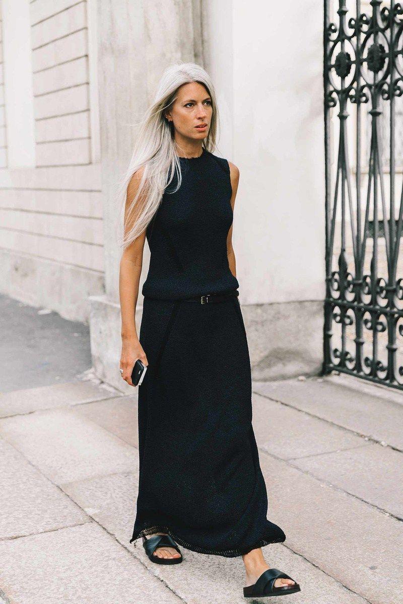 Como combinar un vestido negro largo