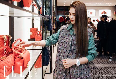 昆凌出席CHANEL新光A4開幕派對 解答網友穿搭、逛街、購物的問題