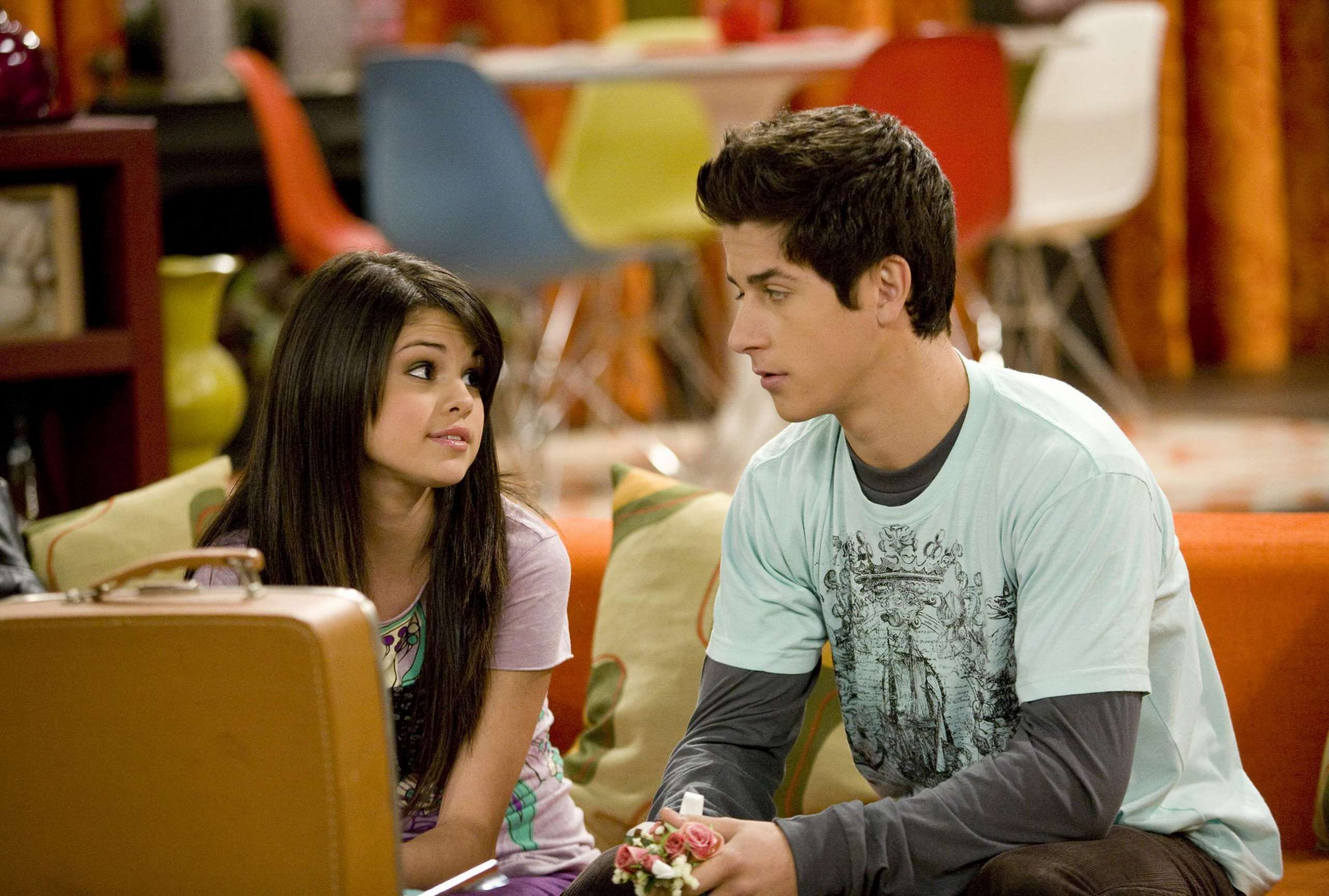 """OMG Selena Gomez and David Henrie Have Been Talking About Rebooting """"Wizards of Waverly Place"""""""
