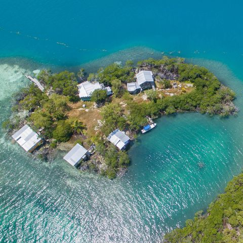 Aerial photography, Natural landscape, Coastal and oceanic landforms, Sea, Island, Coast, Bay, Inlet, Islet, Bird's-eye view,