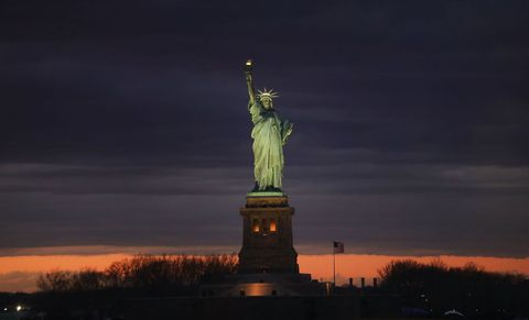Landmark, Statue, Sky, Monument, Night, National historic landmark, Sculpture, Tower, Cloud, Tourist attraction,