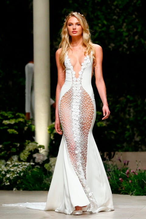 Fashion model, Clothing, Gown, Dress, Fashion, Shoulder, Haute couture, Blond, Bridal party dress, Beauty,