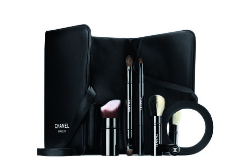 Product, Cosmetics, Material property, Brush, Technology, Makeup brushes, Electronic device,