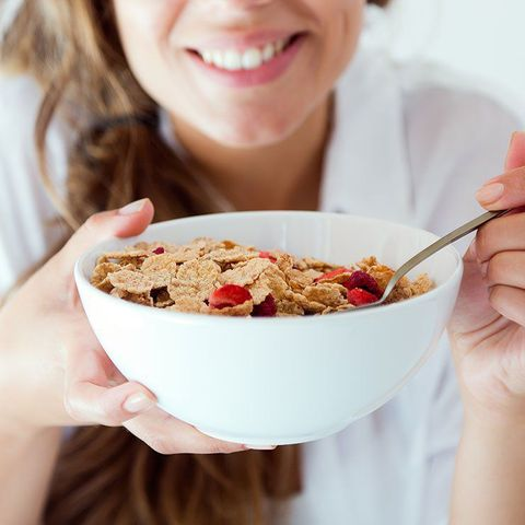 Dish, Food, Cuisine, Breakfast cereal, Meal, Eating, Breakfast, Ingredient, Corn flakes, Complete wheat bran flakes,