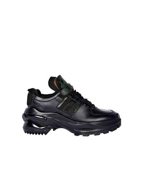 Shoe, Footwear, Black, Outdoor shoe, Product, Walking shoe, Running shoe, Athletic shoe, Sneakers, Hiking boot,