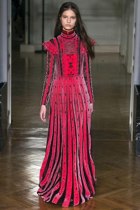 Fashion model, Fashion, Clothing, Haute couture, Fashion show, Runway, Dress, Fashion design, Pink, Magenta,