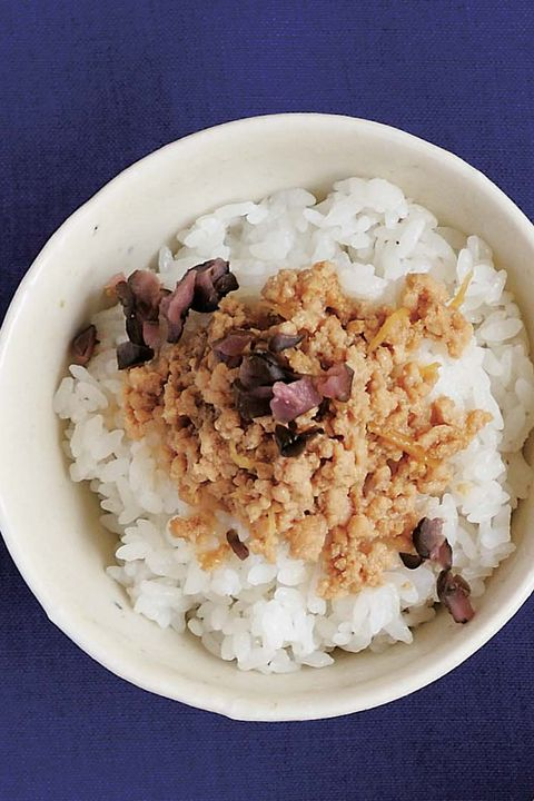 Dish, Food, Steamed rice, White rice, Cuisine, Rice, Ingredient, Jasmine rice, Comfort food, Glutinous rice,