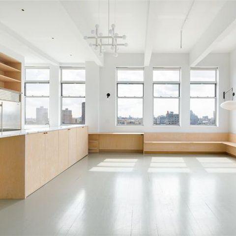 Floor, Property, Room, Building, Interior design, Ceiling, Daylighting, House, Flooring, Architecture,