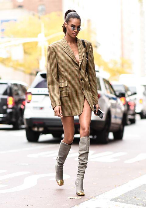 Fashion model, Street fashion, Clothing, Photograph, Fashion, Footwear, Snapshot, Knee, Eyewear, Brown,