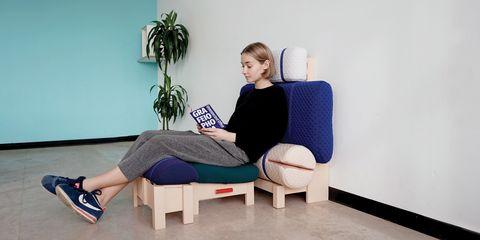 Sitting, Shoulder, Furniture, Arm, Joint, Leg, Comfort, Room, Plant, Electric blue,