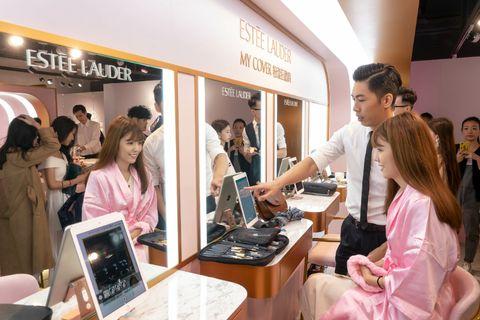 雅詩蘭黛「My Cover粉漾狂歡趴」稱霸21年再放大絕,韓國空運粉紅沙龍一秒點燃少女心