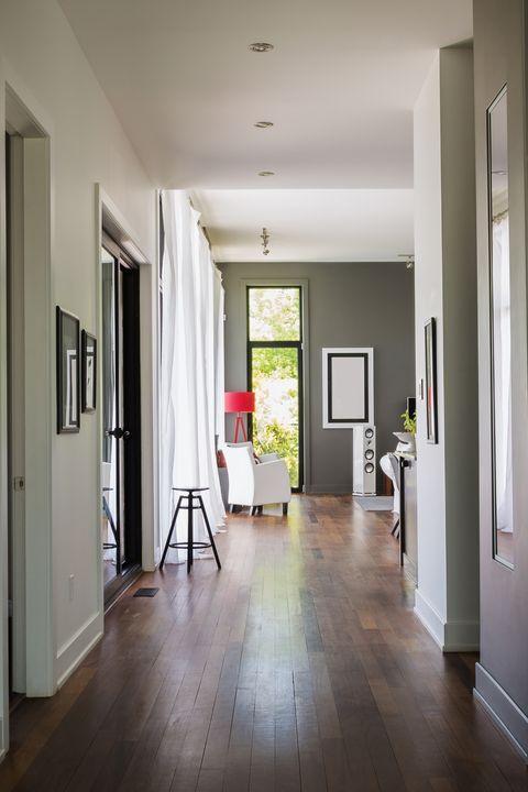 デザイナーがあなたの家に初めて入って気付く14のこと | ELLE DECOR [エル・デコ]