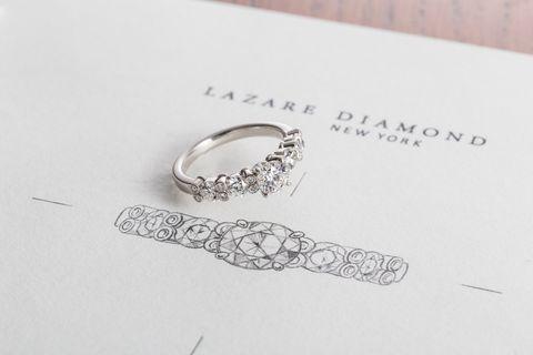 ラザールダイヤモンドの人気エンゲージリング