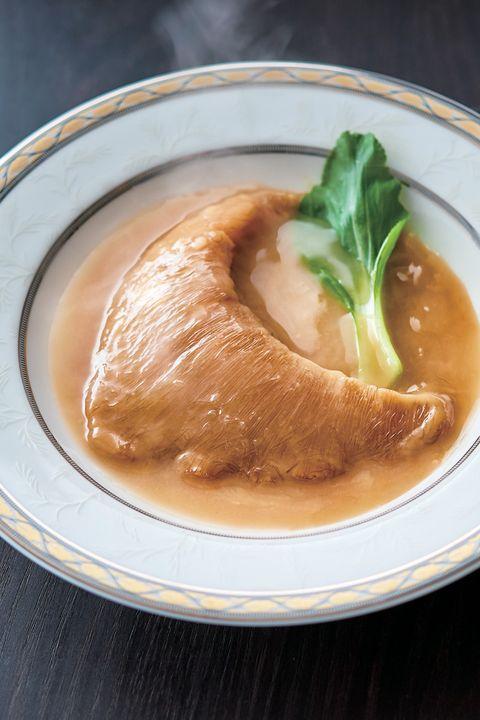 「ザ・キャピトルホテル 東急」の「中国料理『星ヶ岡』ふかひれの姿煮」
