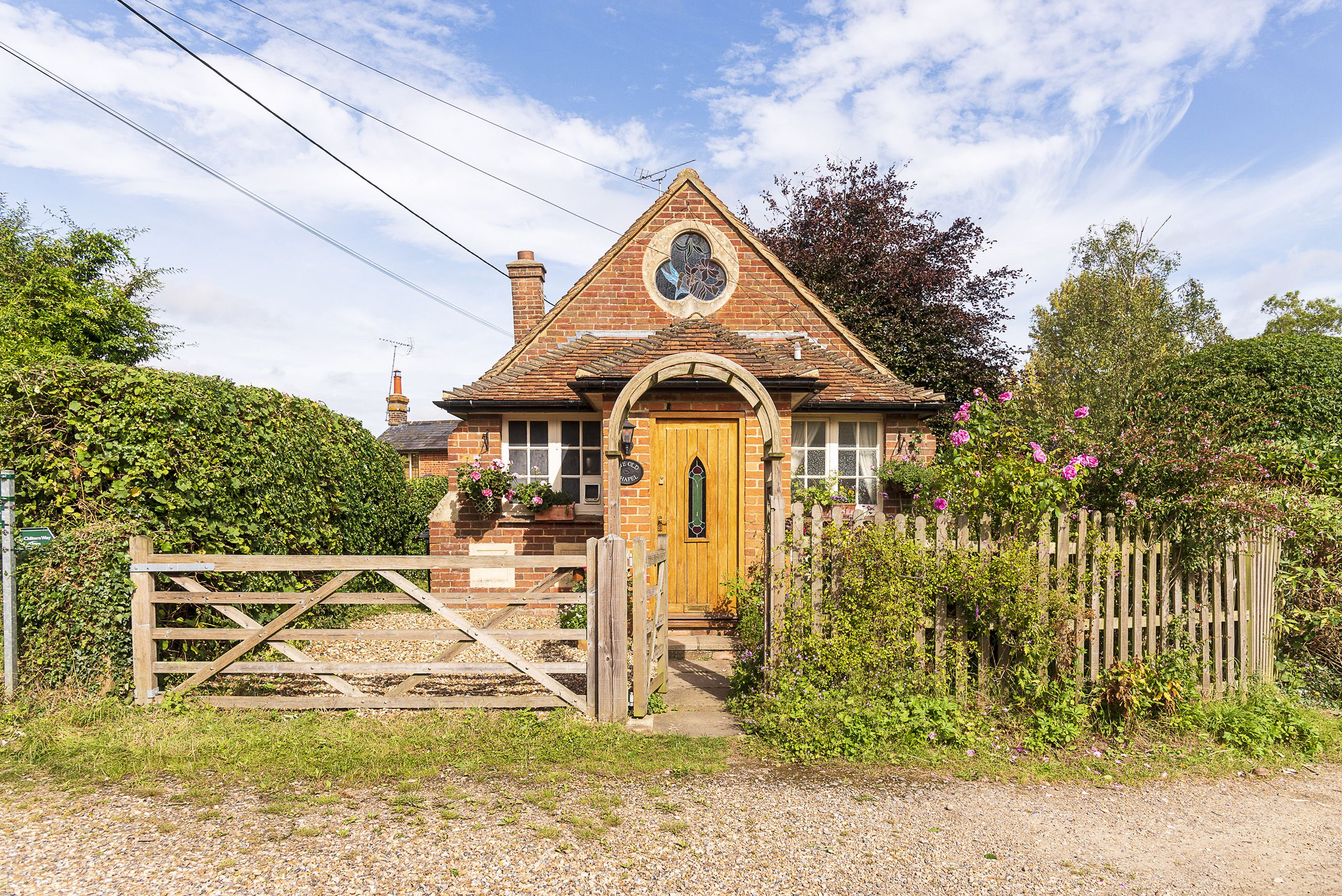 Quaint one-bedroom house is on sale for £425,000 in Oxfordshire