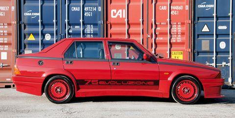 Land vehicle, Vehicle, Car, Sedan, Alfa romeo 75, Alfa romeo, Automotive design, Coupé, Classic car, Family car,