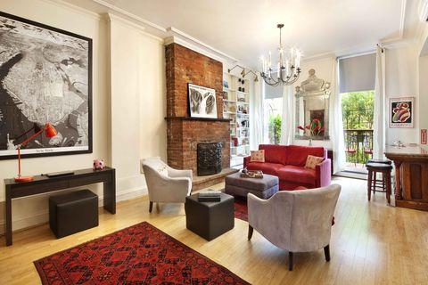Living room, Room, Interior design, Furniture, Property, Building, Ceiling, Floor, Table, Wood flooring,