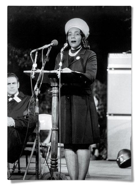 Coretta Scott King hablando en Washington, DC