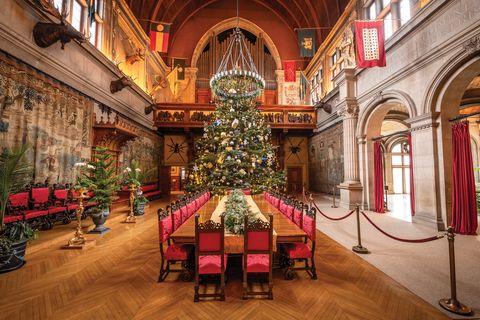 Interior design, Building, Architecture, Room, Christmas, Tree, Christmas decoration, Chapel, Interior design, Place of worship,