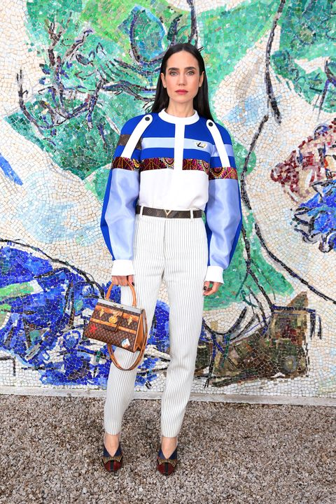 Electric blue, Costume, Costume design, Belt, Fashion design, Crown, Kimono, Painting,