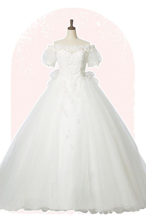 フラワーモチーフのビーディングを施したレースと、チュールを何枚も重ねたボリュームたっぷりのスカートが特徴のドレス「ユミカツラ プレタクチュール/桂由美ブライダルハウス 東京本店」