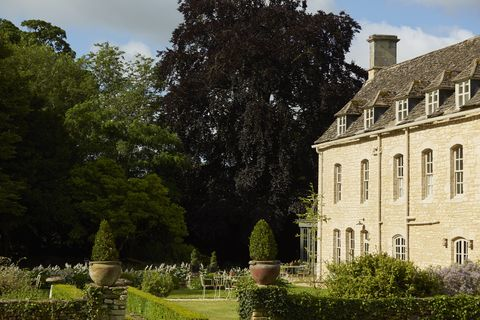 Estate, Building, Property, House, Tree, Architecture, Mansion, Stately home, Garden, Grass,