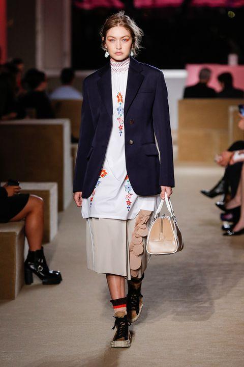 Fashion, Runway, Fashion show, Fashion model, Clothing, Footwear, Outerwear, Blazer, Public event, Event,