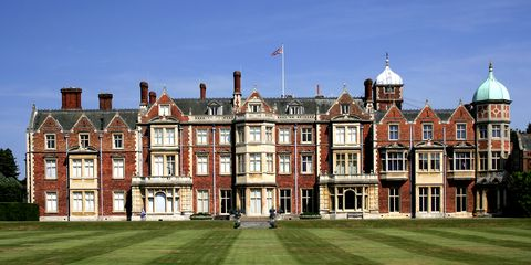Building, Property, Estate, House, Town, Stately home, Mansion, Architecture, Palace, Manor house,