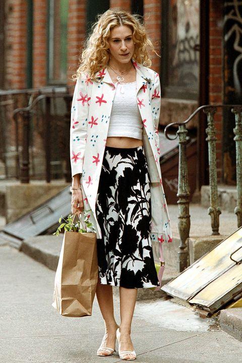 Clothing, White, Street fashion, Pencil skirt, Fashion, Crop top, Fashion model, Outerwear, Waist, Dress,