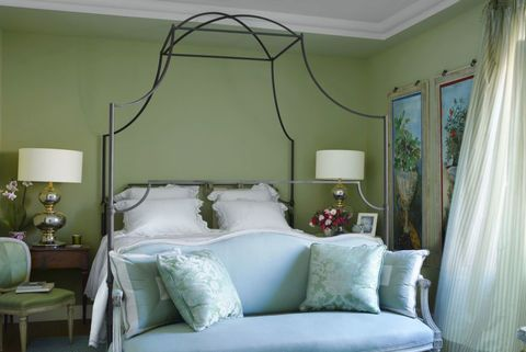 Rooms With Sage Green Walls Decor, What Colour Curtains With Sage Green Walls