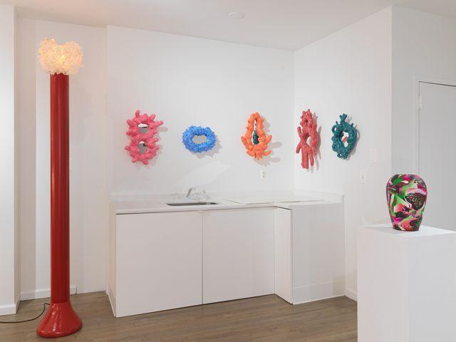 supergroup, la mostra organizzata da stephen markos che raccoglie oltre 50 firme internazionali del design