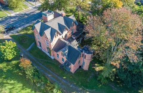 This Auburn Ny Mansion Could Be Yours For 50k With A Restoration Plan