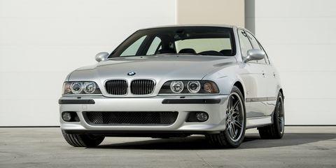 Land vehicle, Vehicle, Car, Luxury vehicle, Bmw, Personal luxury car, White, Automotive design, Executive car, Bumper,