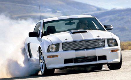Automotive design, Automotive tire, Vehicle, Automotive exterior, Hood, Headlamp, Grille, Automotive lighting, Car, Rim,