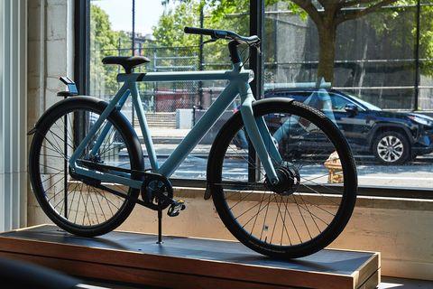vanmoof cyclery in brooklyn, july 2020