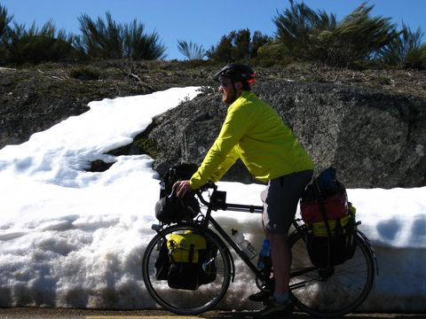 Cycling, Bicycle, Vehicle, Outdoor recreation, Recreation, Snow, Bicycle accessory, Sports equipment, Mountain bike, Road,