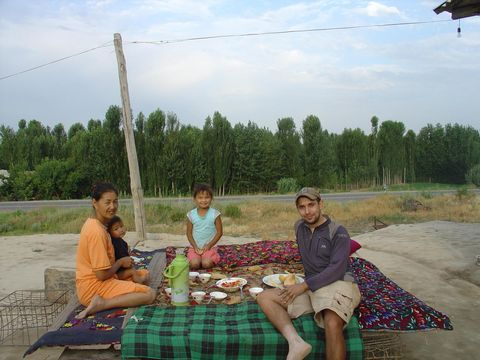 People, Adaptation, Vacation, Leisure, Meal, Recreation, Tree, Picnic, Rural area, Tourism,