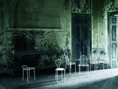 La collezione Family chair di Junya Ishigami per Living Divani