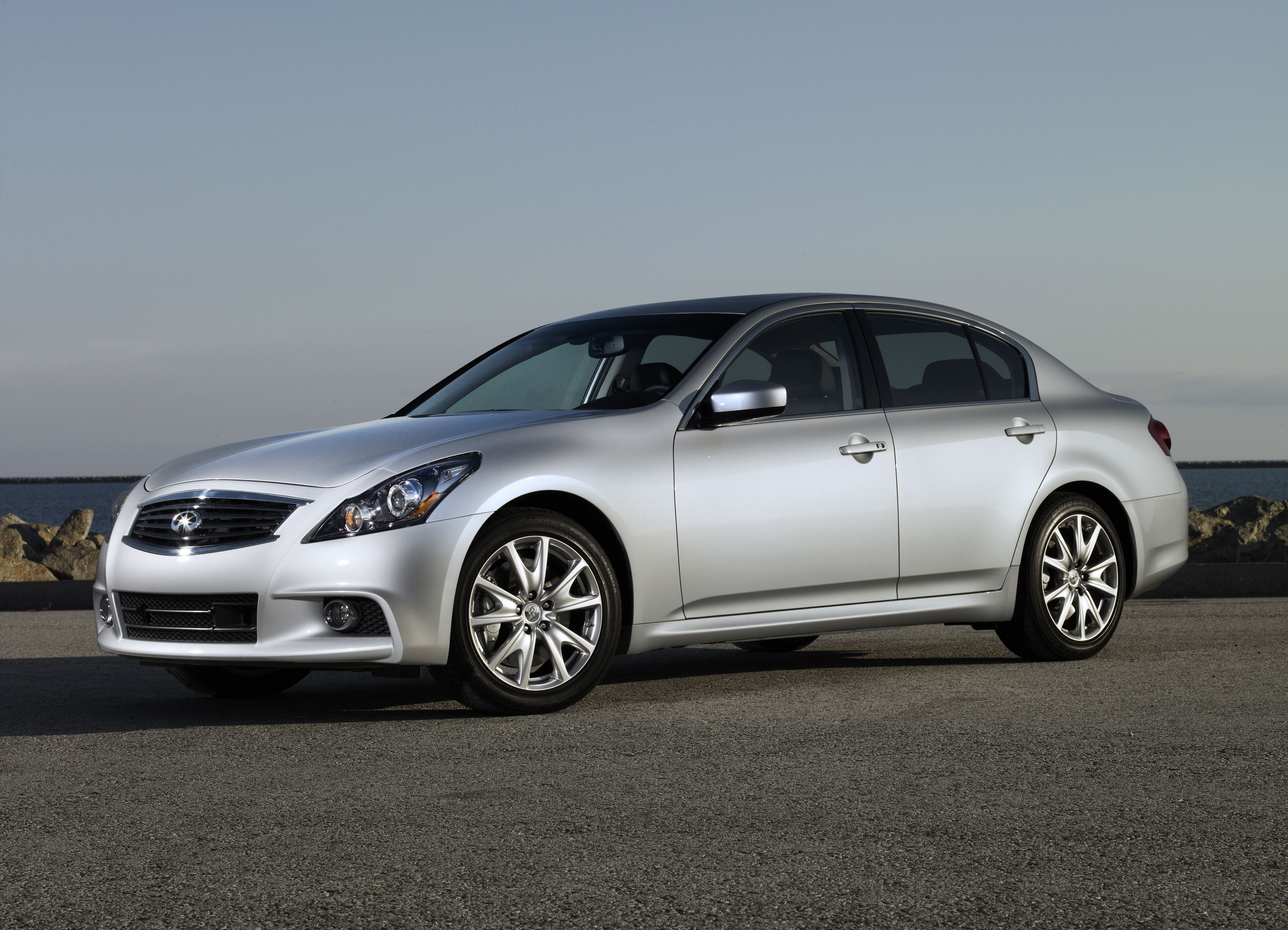 Infiniti G Features And Specs