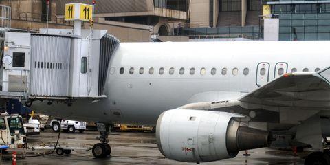 airplane-exterior1.jpg