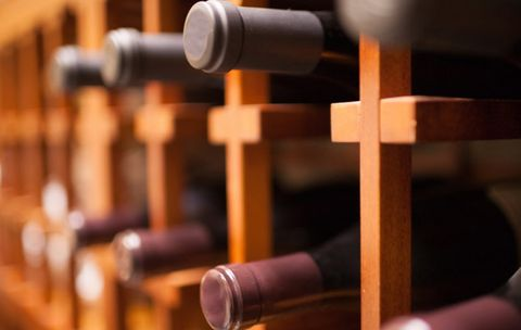 How to Navigate a Wine Store